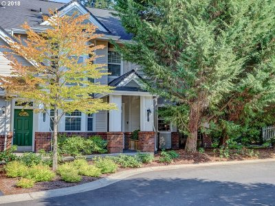 West Linn Condo/Townhouse For Sale: 5301 Summerlinn Way