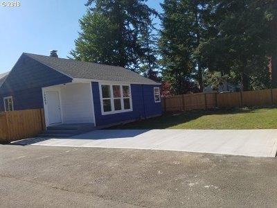Portland Single Family Home For Sale: 12660 SE Bush St
