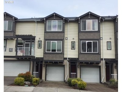 Beaverton Condo/Townhouse For Sale: 13700 SW Scholls Ferry Rd #102