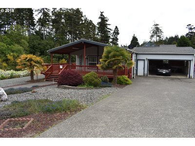 North Bend Single Family Home For Sale: 2615 Montana