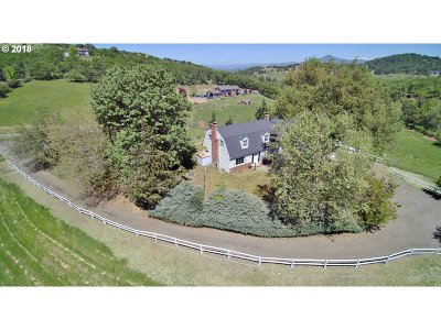 Medford Single Family Home For Sale: 6378 Pioneer Rd