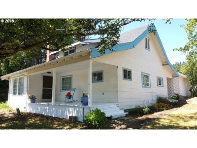 Coquille OR Single Family Home For Sale: $209,000