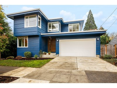 Multnomah County Single Family Home For Sale: 1924 SE Miller St