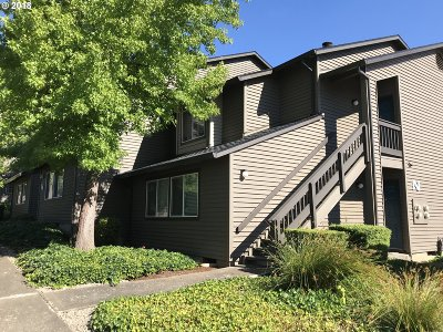 Beaverton Condo/Townhouse For Sale: 9370 SW 146th Ter #N7