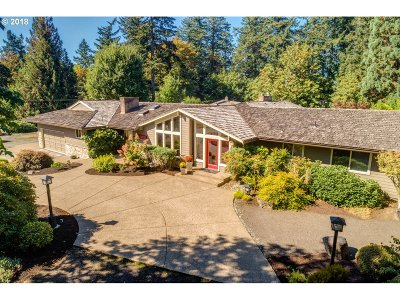 Single Family Home For Sale: 10735 SW Hawthorne Ln