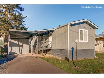 Dundee Single Family Home For Sale: 906 SW Alder St #2