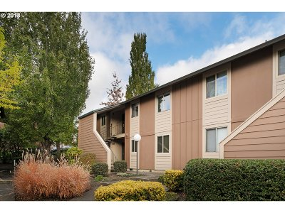 Portland Condo/Townhouse For Sale: 12642 NW Barnes Rd #3