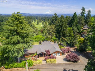 Lake Oswego Single Family Home For Sale: 1903 Egan Way
