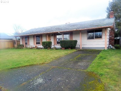 Portland Single Family Home For Sale: 1414 SE 158th Ave