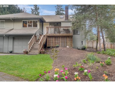 Beaverton Single Family Home For Sale: 6145 SW Heights Ln