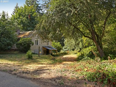 Portland Single Family Home For Sale: 2065 SW 75th Ave