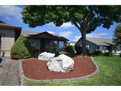 Roseburg Single Family Home For Sale: 1120 Rolling Hills Rd