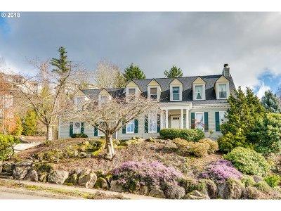 Portland Single Family Home For Sale: 9016 NW Bartholomew Dr