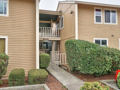 Happy Valley, Clackamas Condo/Townhouse For Sale: 12504 SE 110th Ct #134