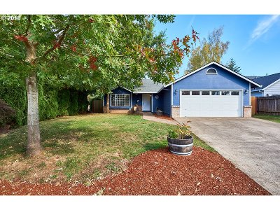 Newberg Single Family Home For Sale: 1912 N Emery Dr