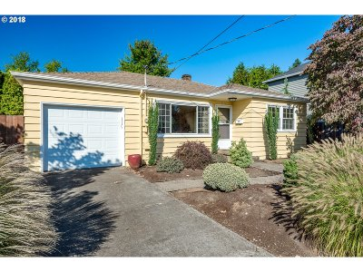 Portland Single Family Home For Sale: 5125 SE 85th Ave