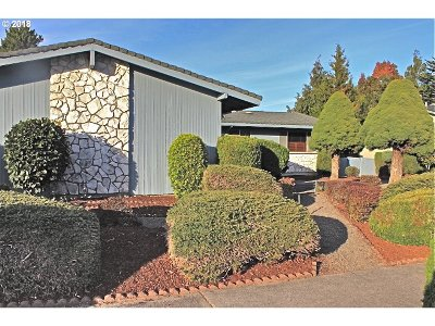 Multnomah County, Washington County, Clackamas County Single Family Home For Sale: 14125 NE Rose Pkwy