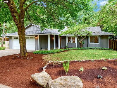 Lake Oswego Single Family Home For Sale: 18440 Sandpiper Cir