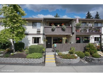 Sherwood, King City Condo/Townhouse For Sale: 12243 SW King Arthur St