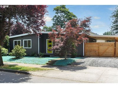 Portland OR Single Family Home For Sale: $439,500
