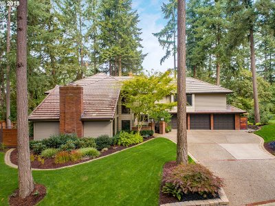 Lake Oswego Single Family Home For Sale: 16021 Parelius Cir