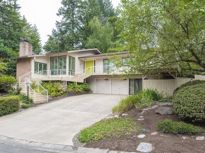Lake Oswego Single Family Home For Sale: 1 Preakness Ct