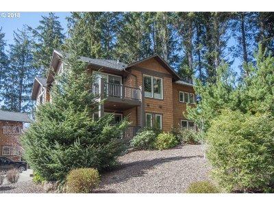 Lincoln City Single Family Home For Sale: 3169 NE Cascara Ct
