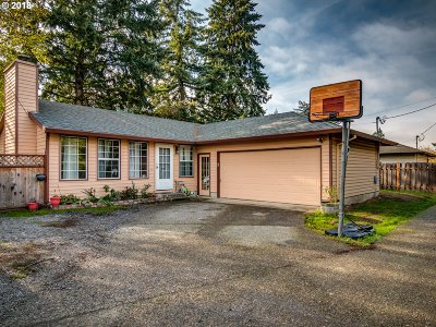 Portland Single Family Home For Sale: 1913 SE 130th Ave