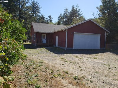 North Bend Single Family Home For Sale: 69447 Circle Loop