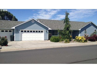 Hermiston Single Family Home For Sale: 863 E View Dr