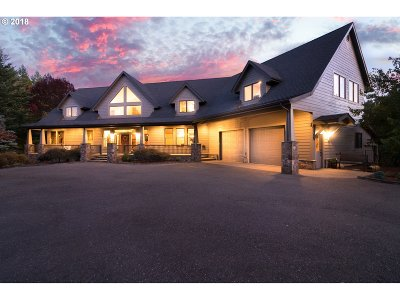 Roseburg Single Family Home For Sale: 155 Upper Camp Loop Rd