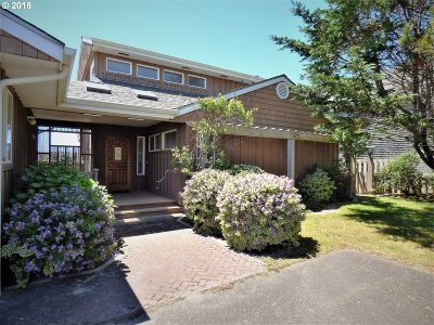 Bandon Single Family Home For Sale: 2484 Beach Loop Dr