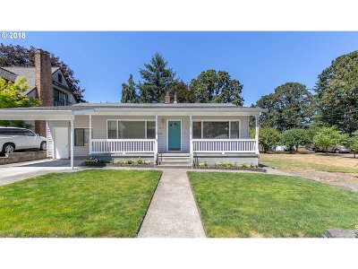 Clackamas County Single Family Home For Sale: 1771 Buse St
