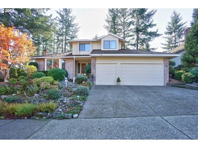 West Linn Single Family Home For Sale: 1336 Troon Dr