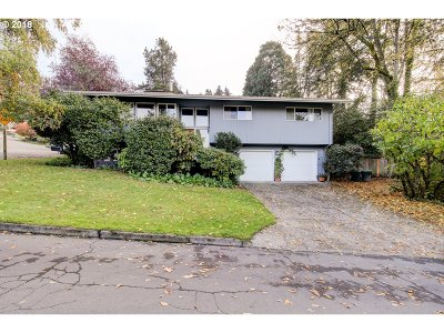 Lake Oswego OR Single Family Home For Sale: $509,000