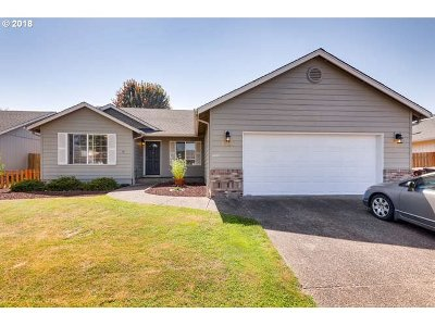 Molalla Single Family Home For Sale: 1230 Mt View Ln