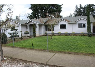 Portland Single Family Home For Sale: 1904 SE 148th Ave
