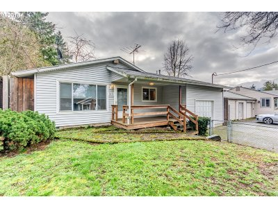 Portland Single Family Home For Sale: 5532 SE 104th Ave