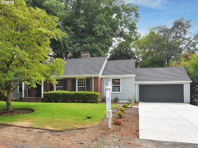 Single Family Home For Sale: 7700 SW Broadmoor Ter