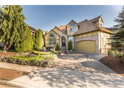 Happy Valley Single Family Home For Sale: 14184 SE Rolling Meadows Dr