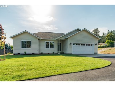 Sutherlin Single Family Home For Sale: 1555 E Fourth Ave