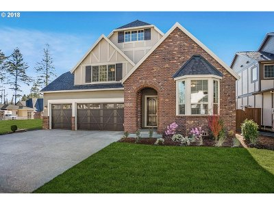 Happy Valley Single Family Home For Sale: 9830 SE Nicholas Dr