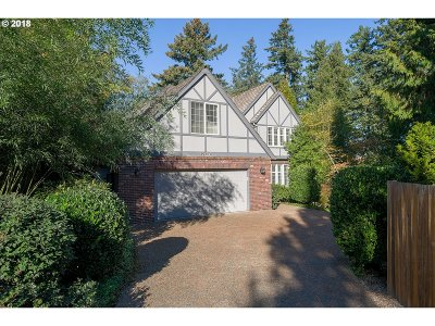 Lake Oswego Single Family Home For Sale: 15213 Candlewood Ct