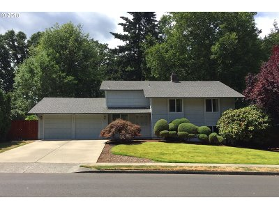 Beaverton Single Family Home For Sale: 6575 SW Dale Ave