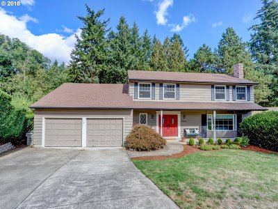 Portland Single Family Home For Sale: 9465 SW Imperial Dr