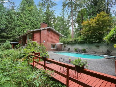 Clackamas County Single Family Home For Sale: 64590 E Lookout Dr