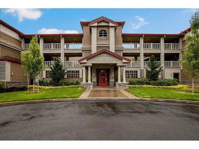 Vancouver Condo/Townhouse For Sale: 5433 SE Scenic Ln #104