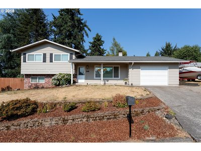 Milwaukie Single Family Home For Sale: 12325 SE Sequoia Ave