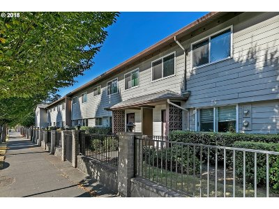 Portland Condo/Townhouse For Sale: 9333 N Lombard St #26