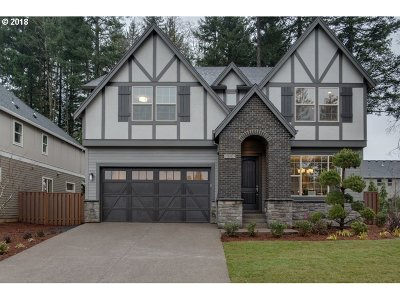 Happy Valley, Clackamas Single Family Home For Sale: 9809 SE Nicholas Dr